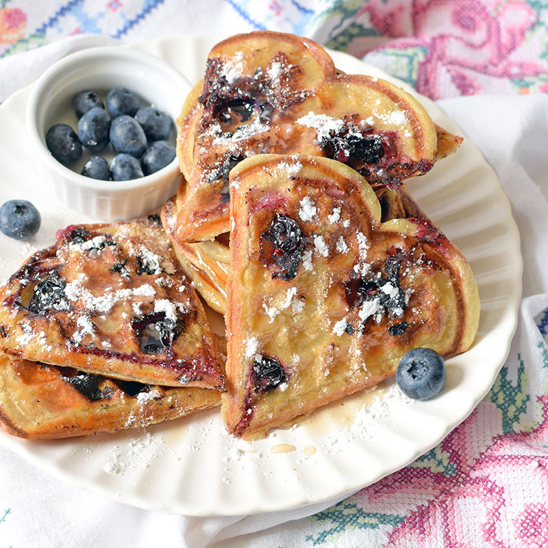 blueberry-waffles.JPG